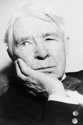 Carl Sandburg Writes 'Chicago'